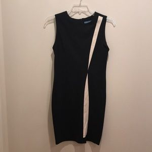 Black sleeveless dress w/ white accents - G066
